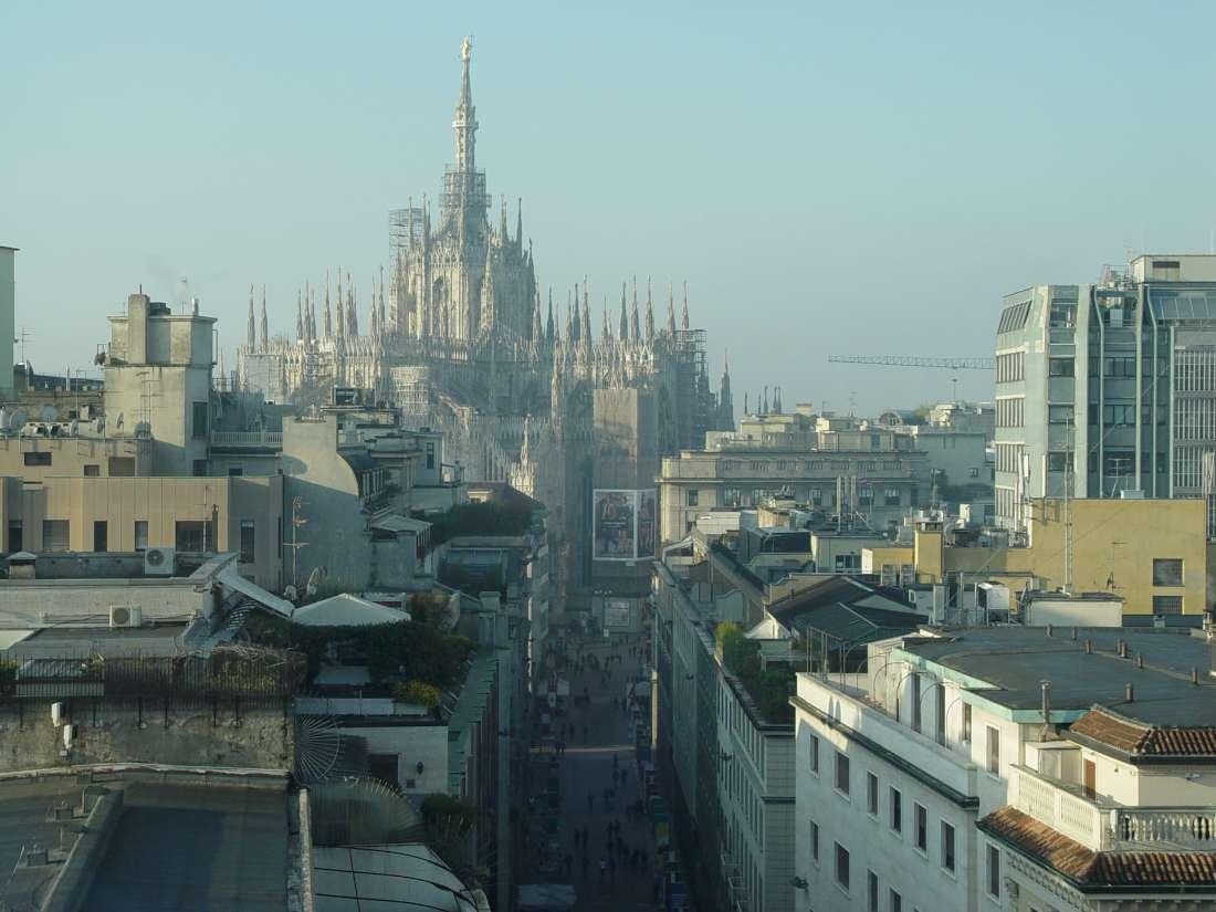 The first presentation is Boglioli, on the sixth floor above Piazza San Babila