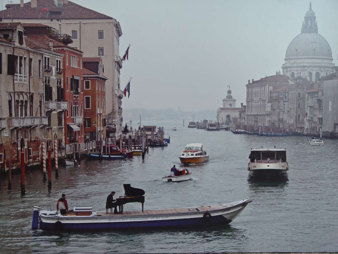The same pianist in a photo showing him in Venice